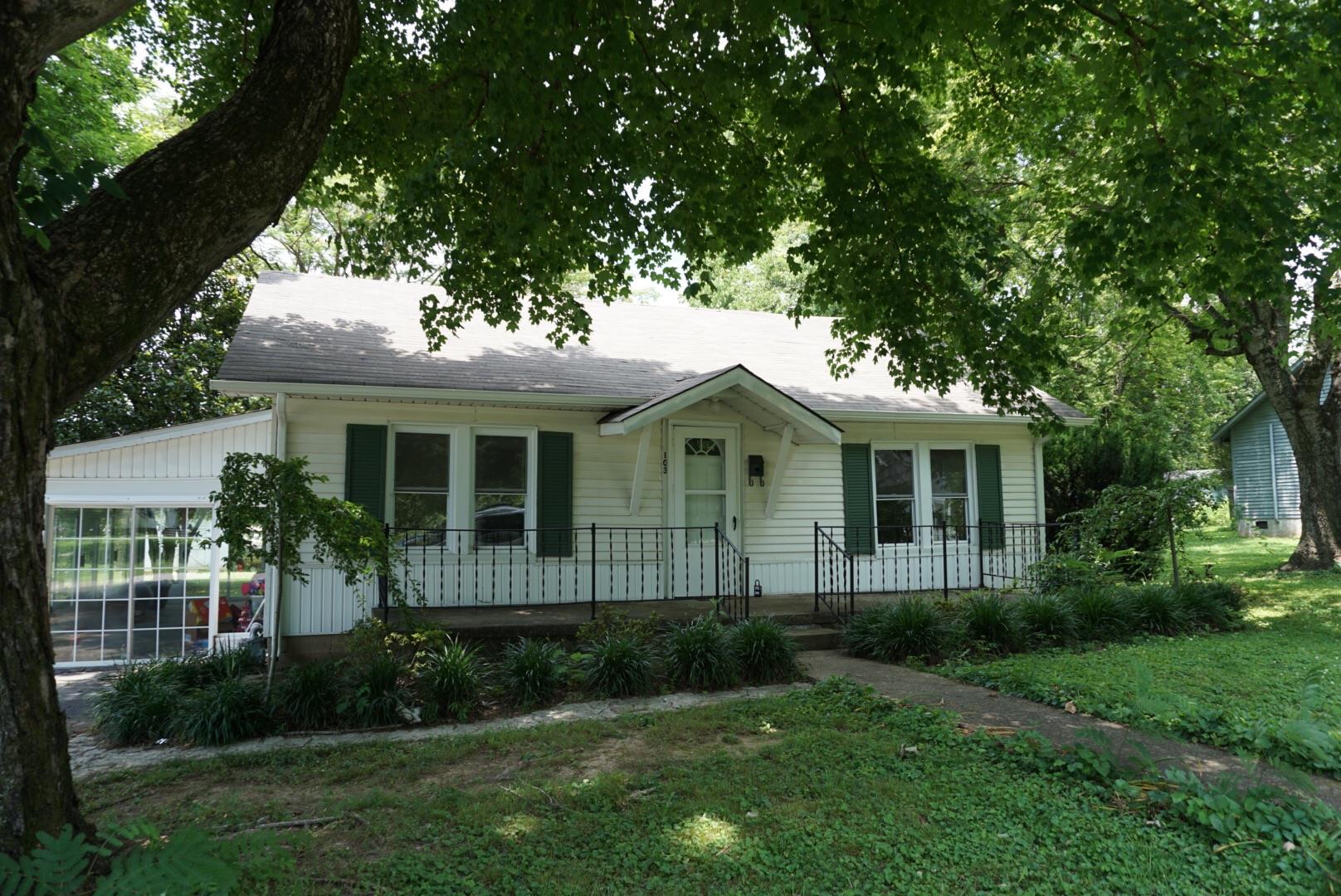 103 Hayes St, Hartsville, TN 37074
