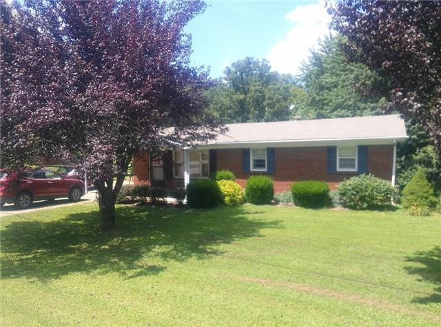 580 Old Stewart Rd, Tennessee Ridge, TN 37178