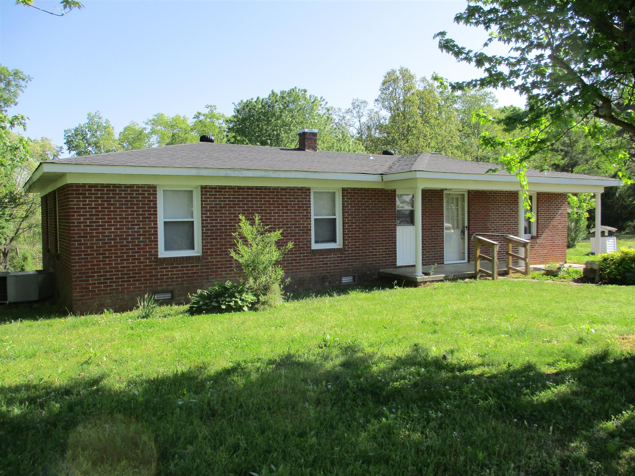 2007 Walnut Grove Rd, Waynesboro, TN 38485