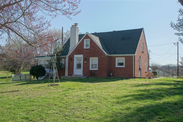 915 Cumberland Dr, Clarksville, TN 37040