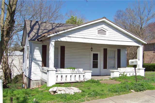 58 Lawn St, Clarksville, TN 37040