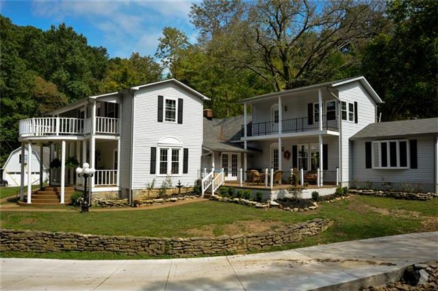 1498 Duffer Hollow Rd, Bethpage, TN 37022