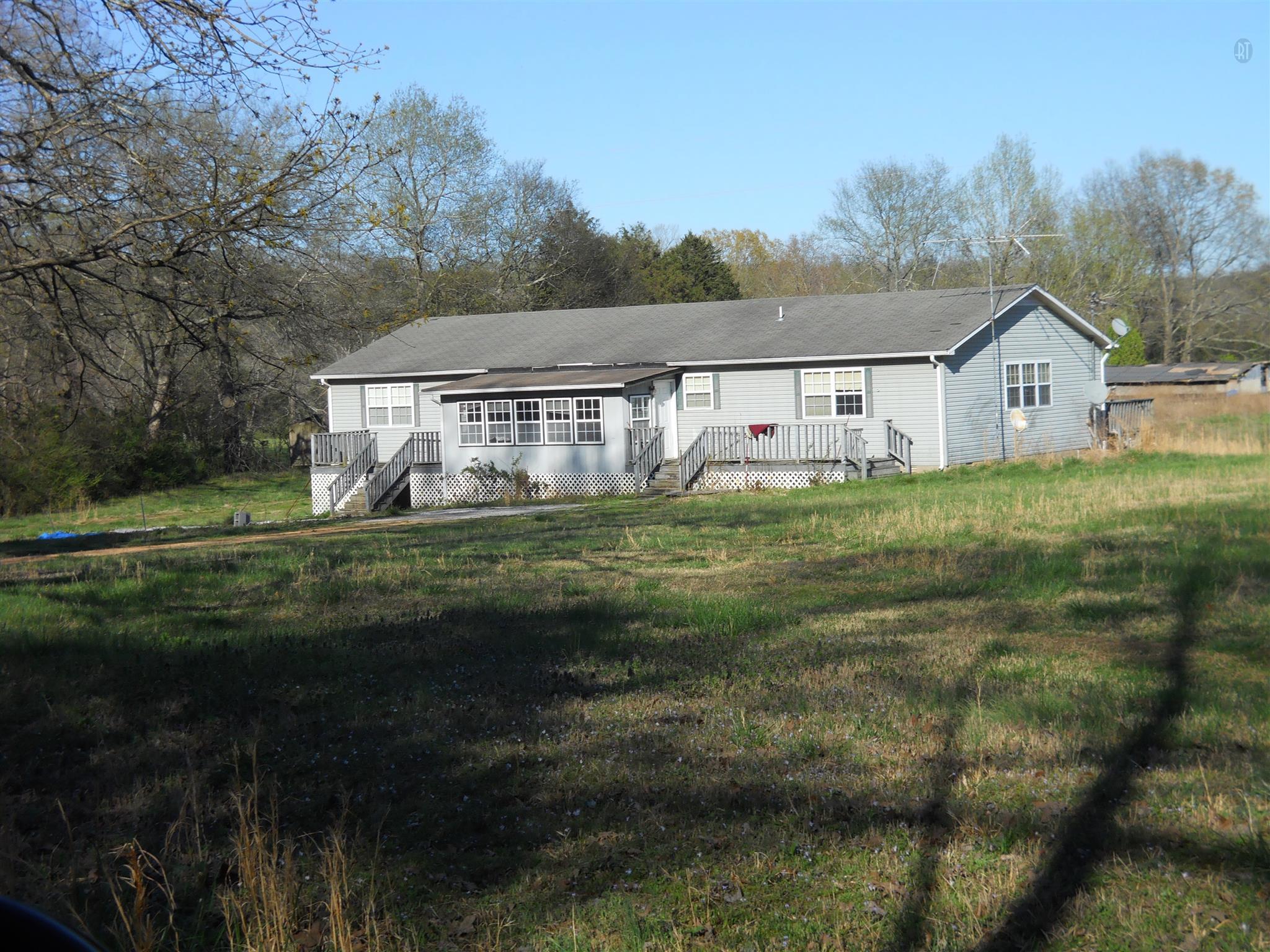 1285 Napier Lake Rd, Hohenwald, TN 38462