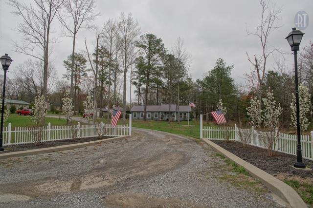 427 Telegraph St, Tennessee Ridge, TN 37178