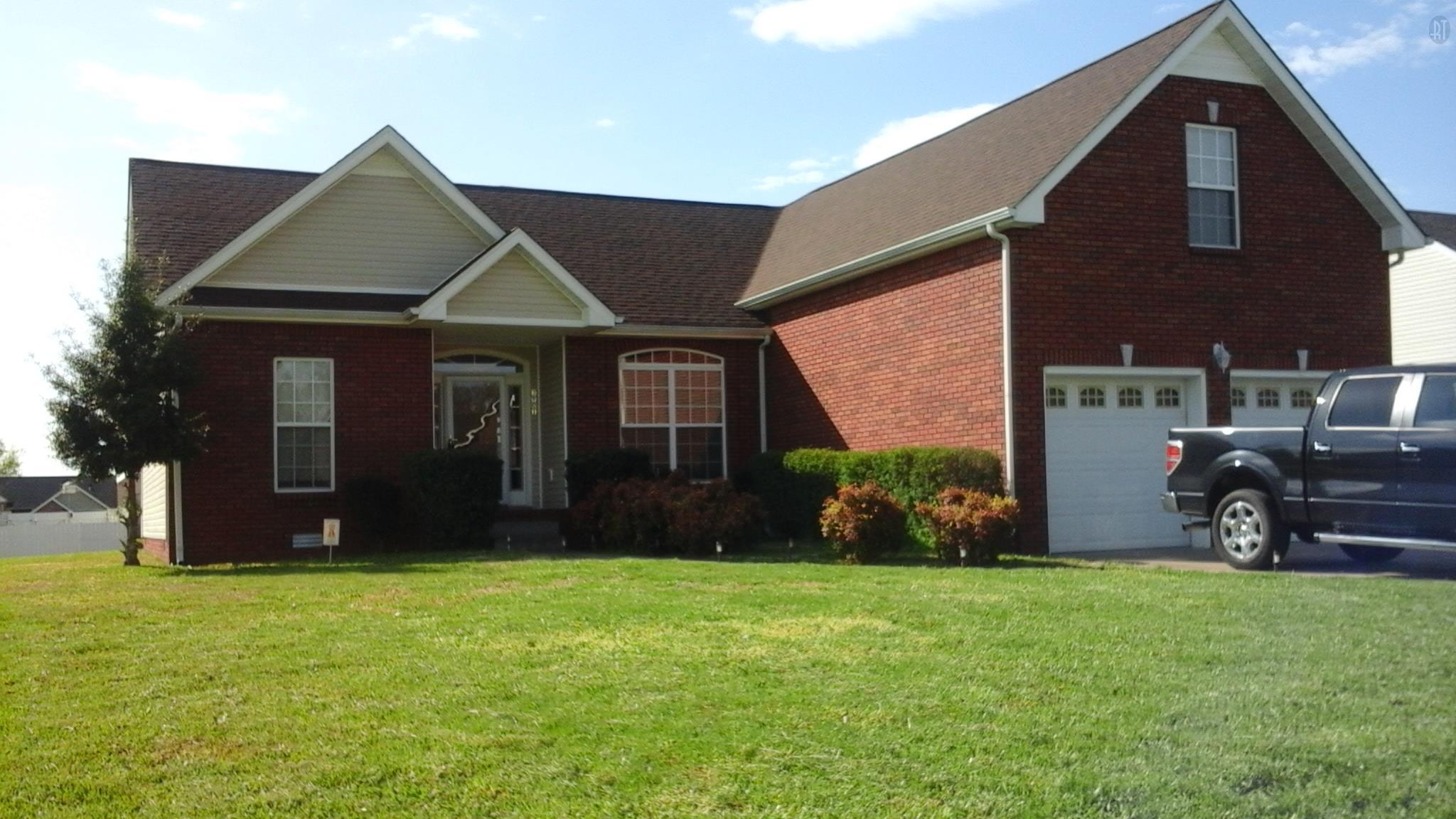 3901 Gaine Dr, Clarksville, TN 37040