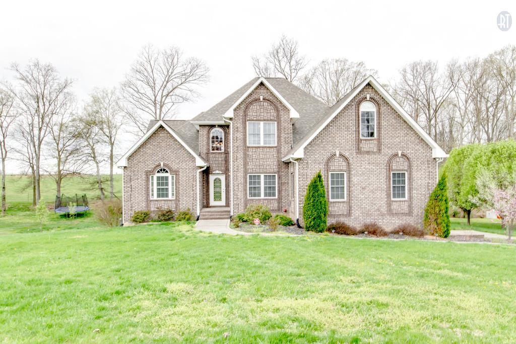 1016 Fairways Dr, Greenbrier, TN 37073