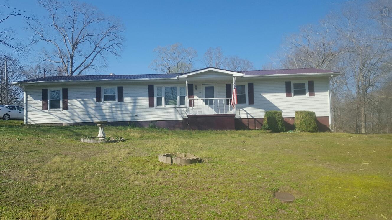 270 Irish St, Erin, TN 37061