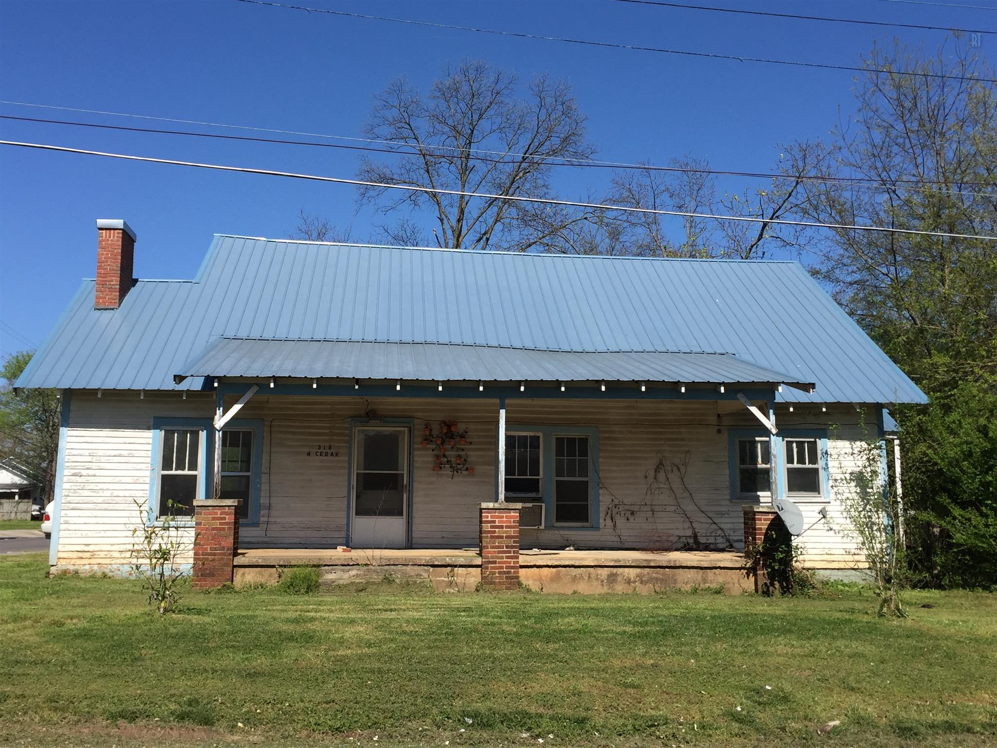 Photo of 318 N Cedar St  Winchester  TN