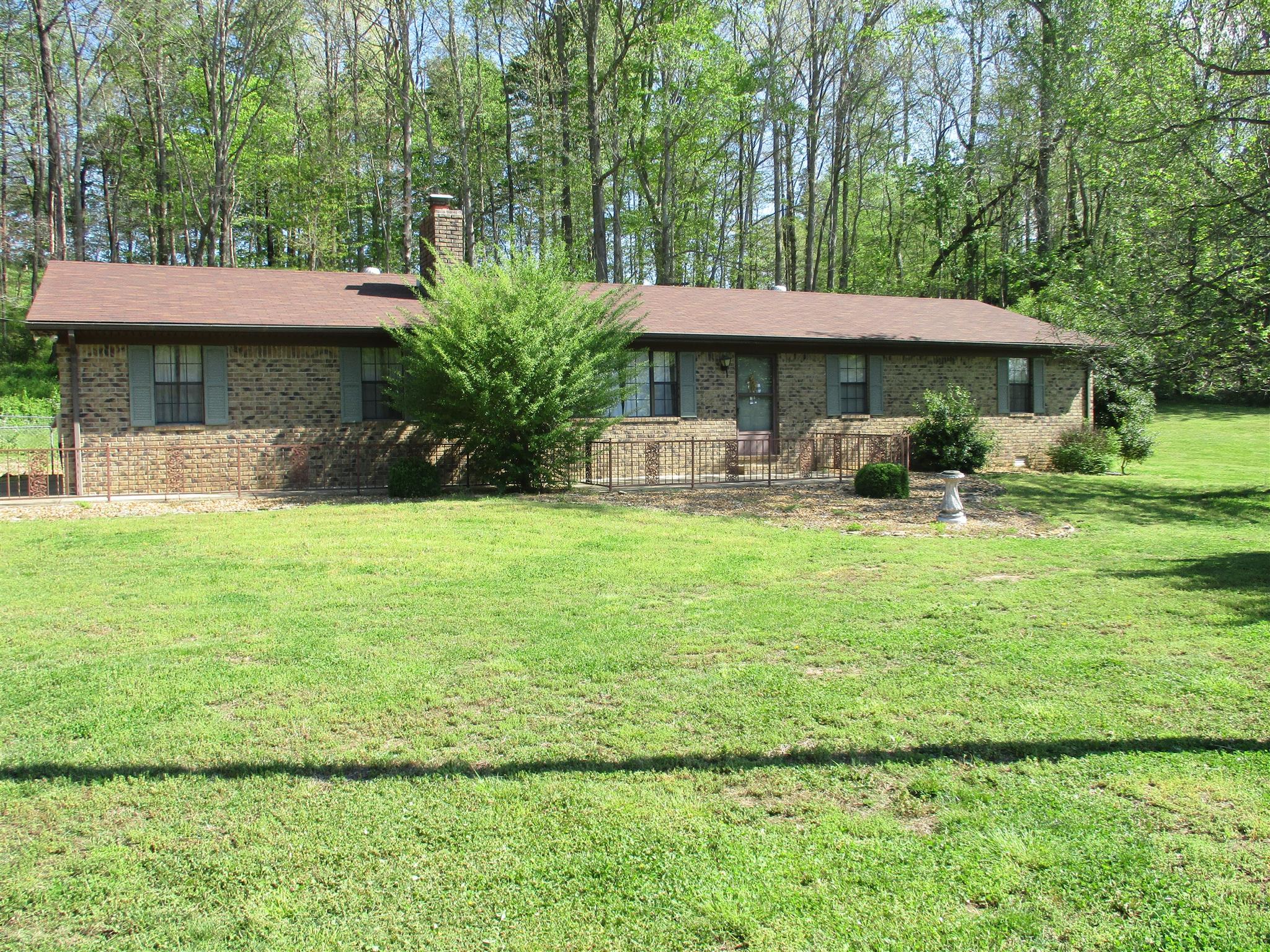 111 Mcdonald Dr, Waynesboro, TN 38485