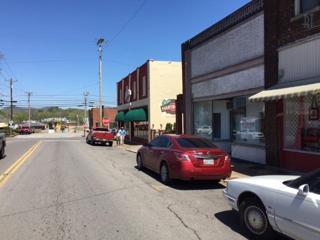 109 River St, Hartsville, TN 37074