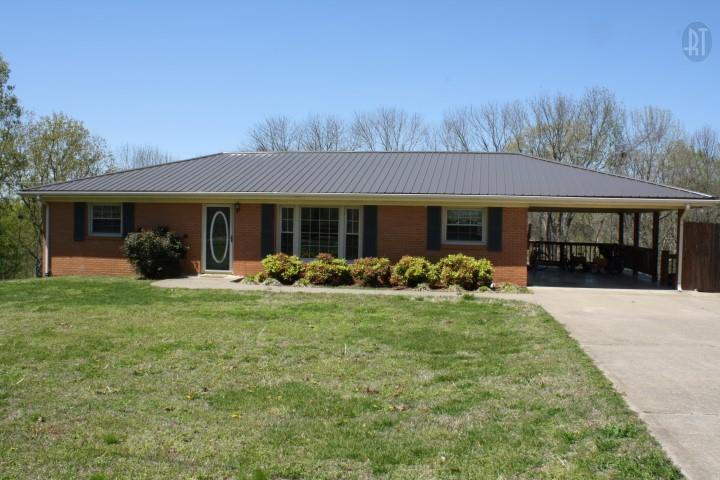 871 Center Point Rd, Dover, TN 37058