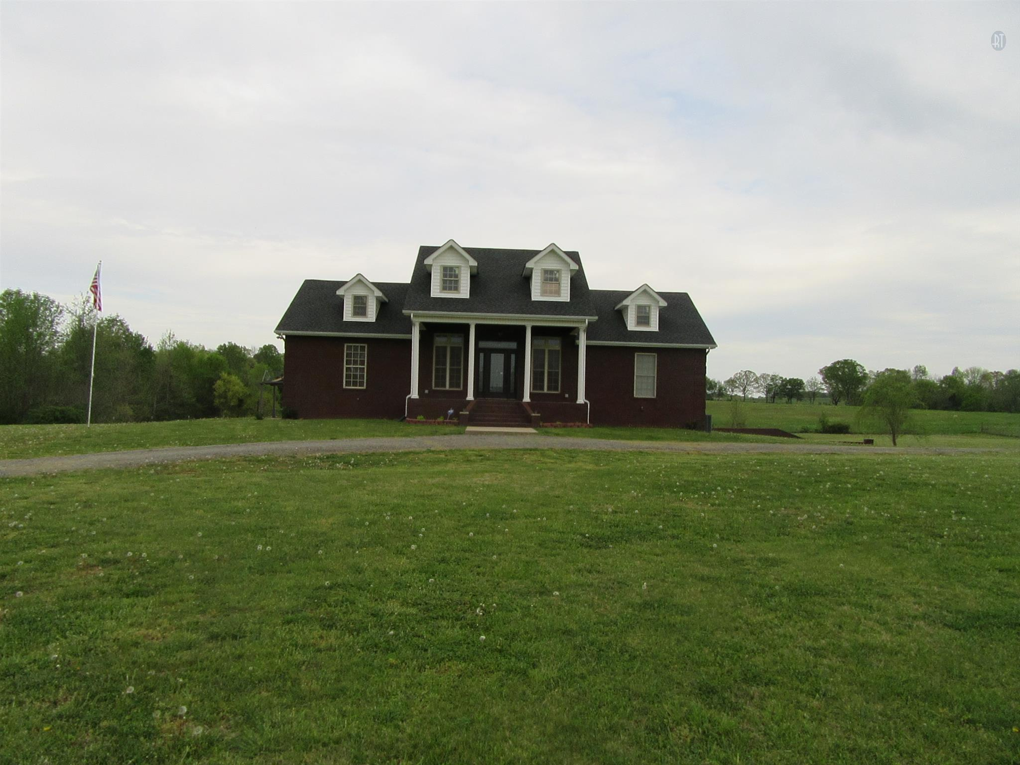 3337 Old Greenbrier Pike, Springfield, TN 37172