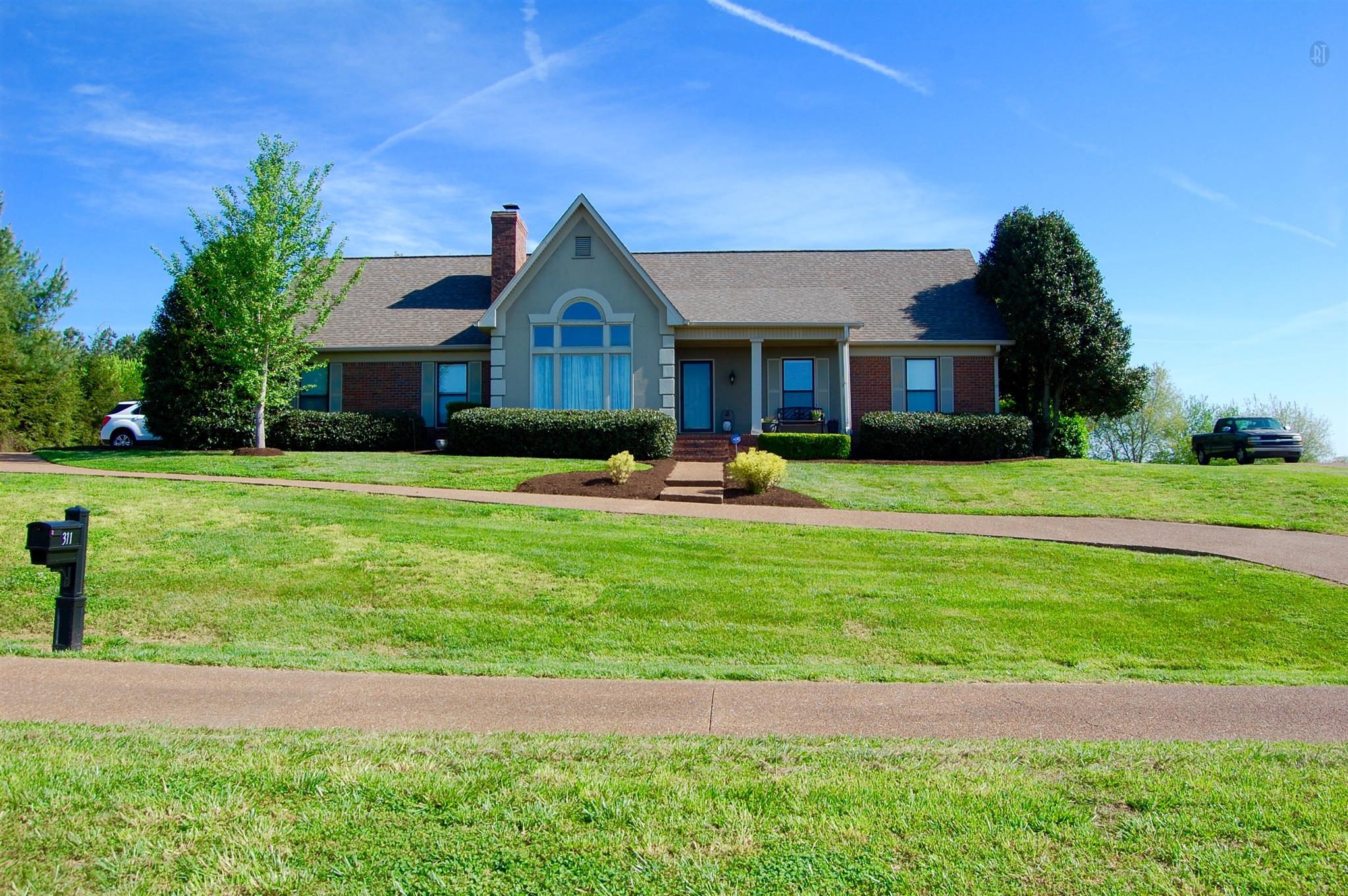 311 Clearview Dr, Springfield, TN 37172