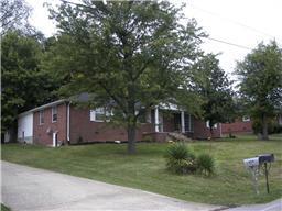 811 Royal Elm Cir, Hartsville, TN 37074