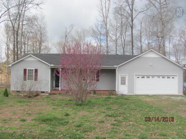 216 Oak Hills Dr, Tullahoma, TN 37388