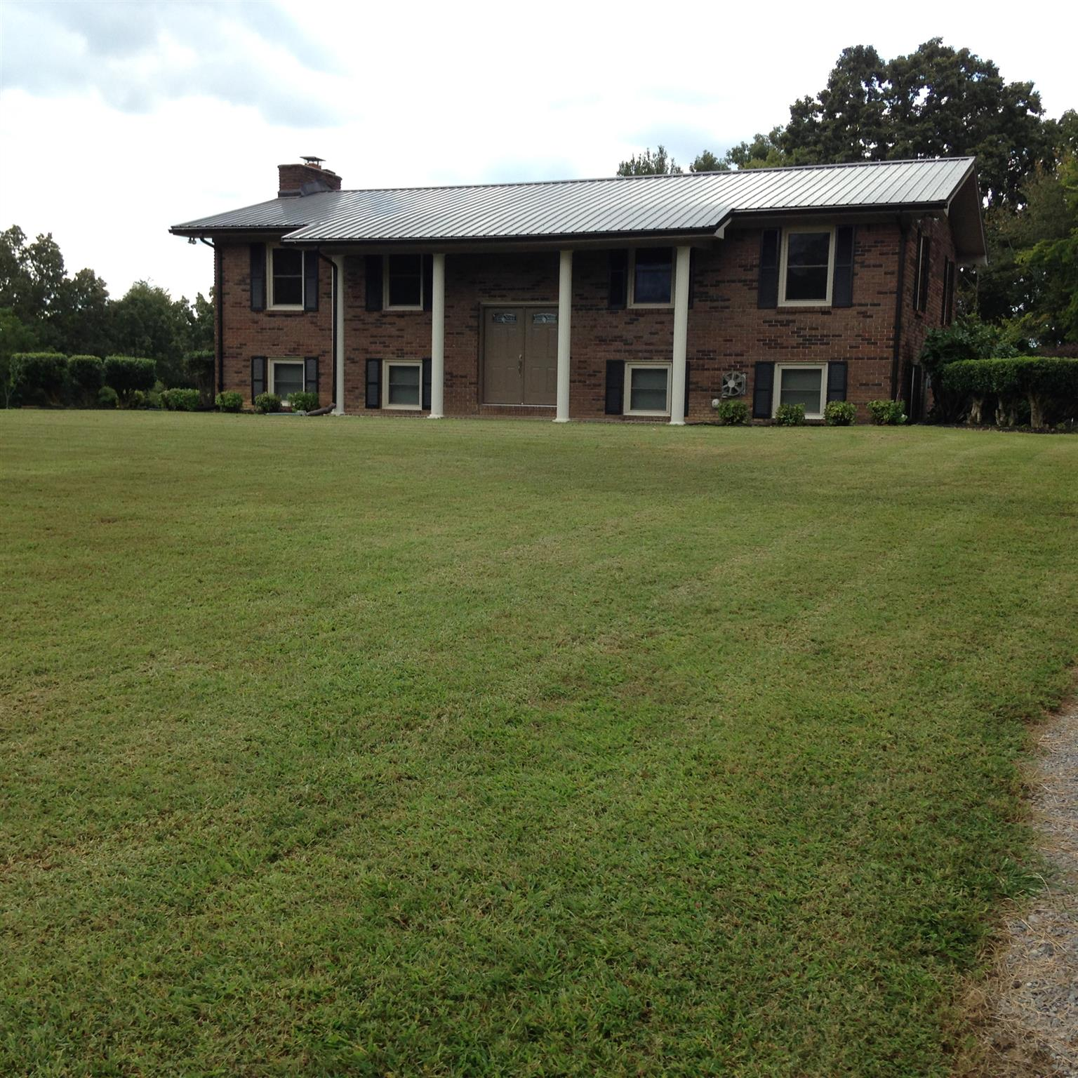 313 Rolling Acres Rd, Smithville, TN 37166