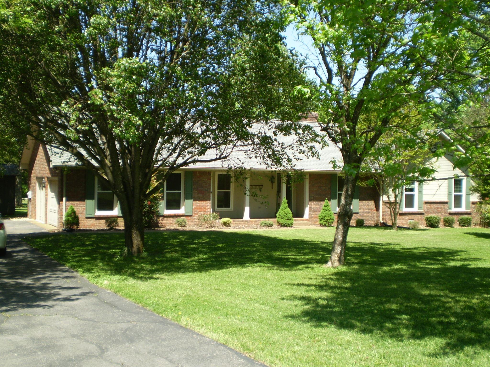 3827 Oakleaf Dr, Murfreesboro, TN 37130