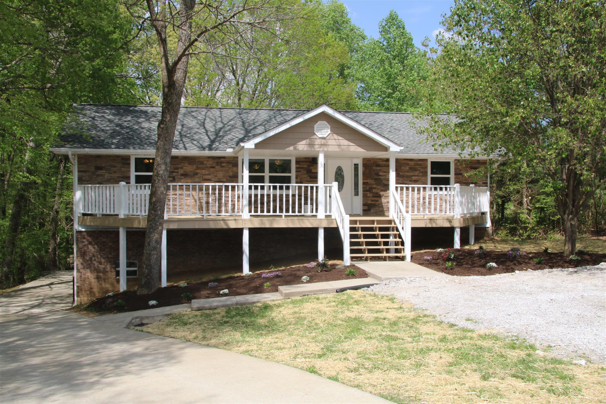 5210 Betts Rd, Greenbrier, TN 37073