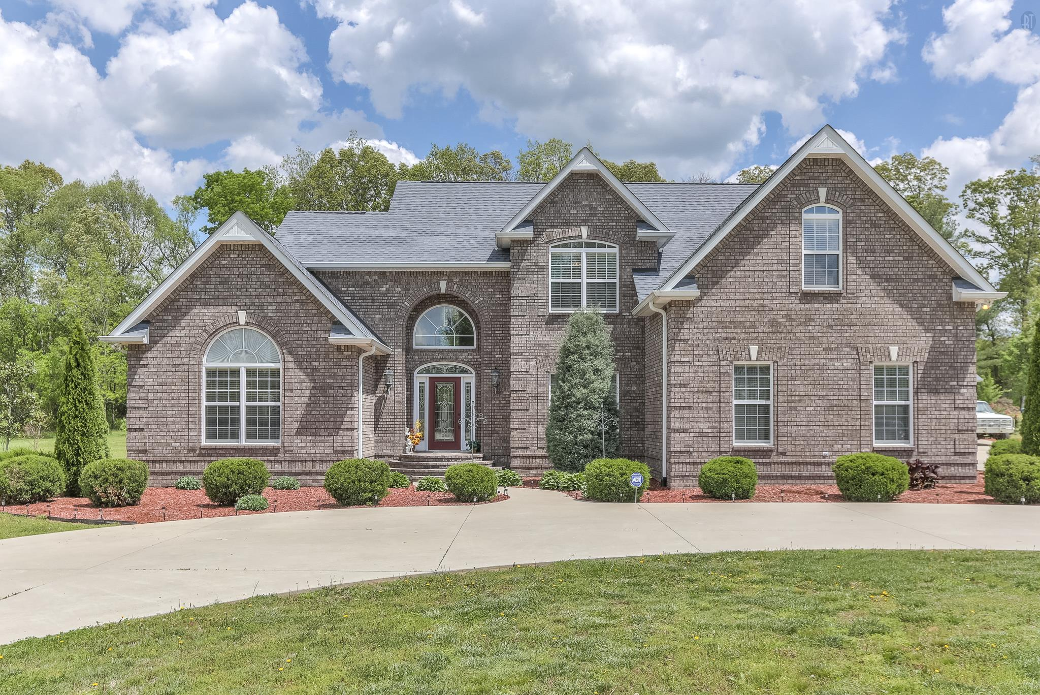 147 Bowling Alley Rd, Manchester, TN 37355