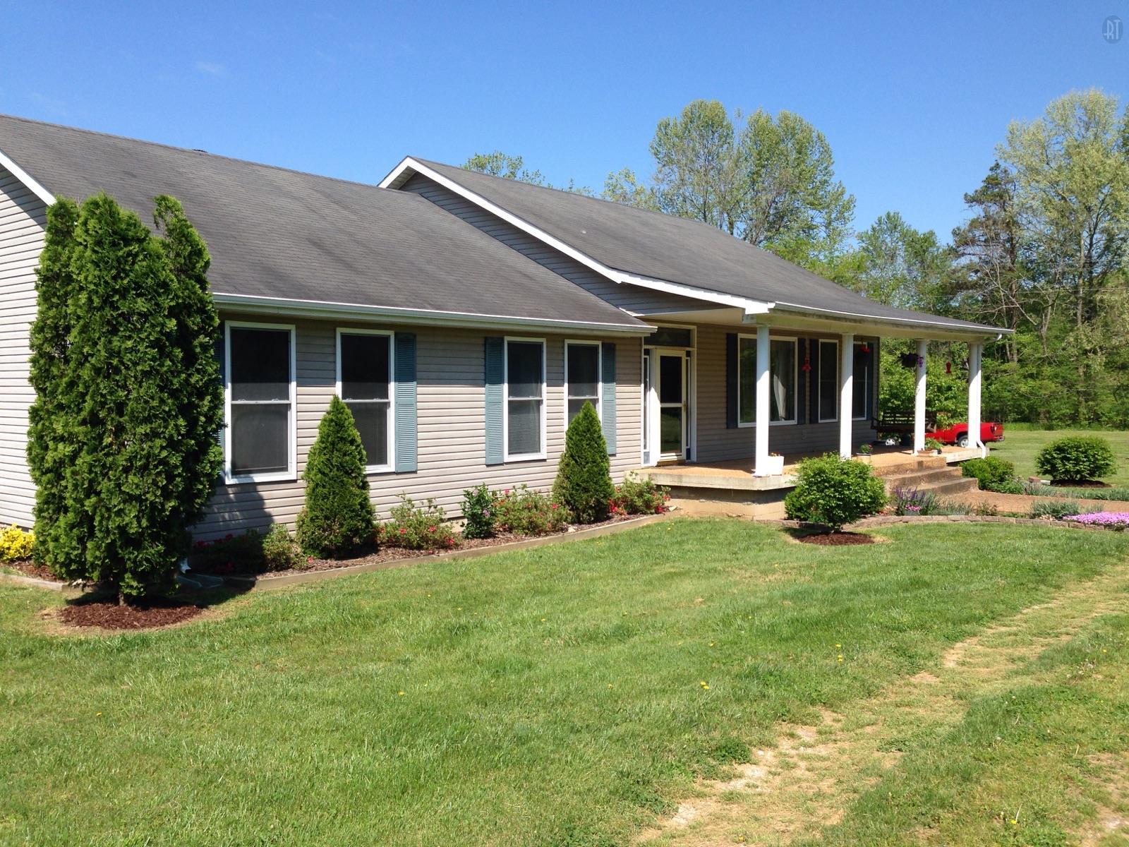 621 Simmons Branch Rd, Waynesboro, TN 38485