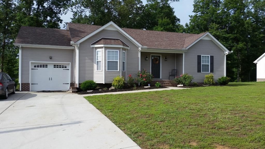 524 Cassie Ln, White Bluff, TN 37187