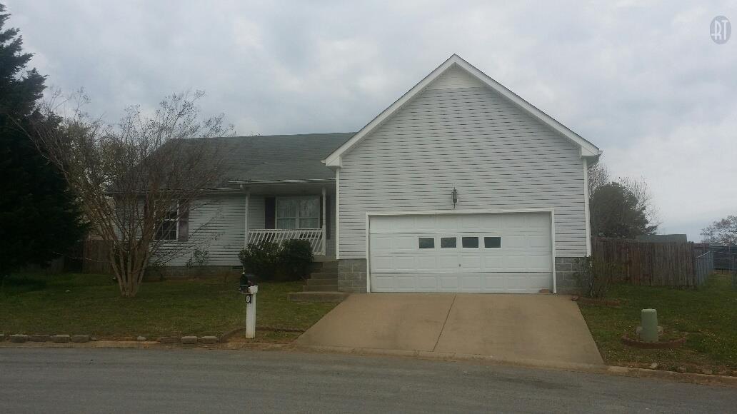 247 Amber Ct, Clarksville, TN 37042