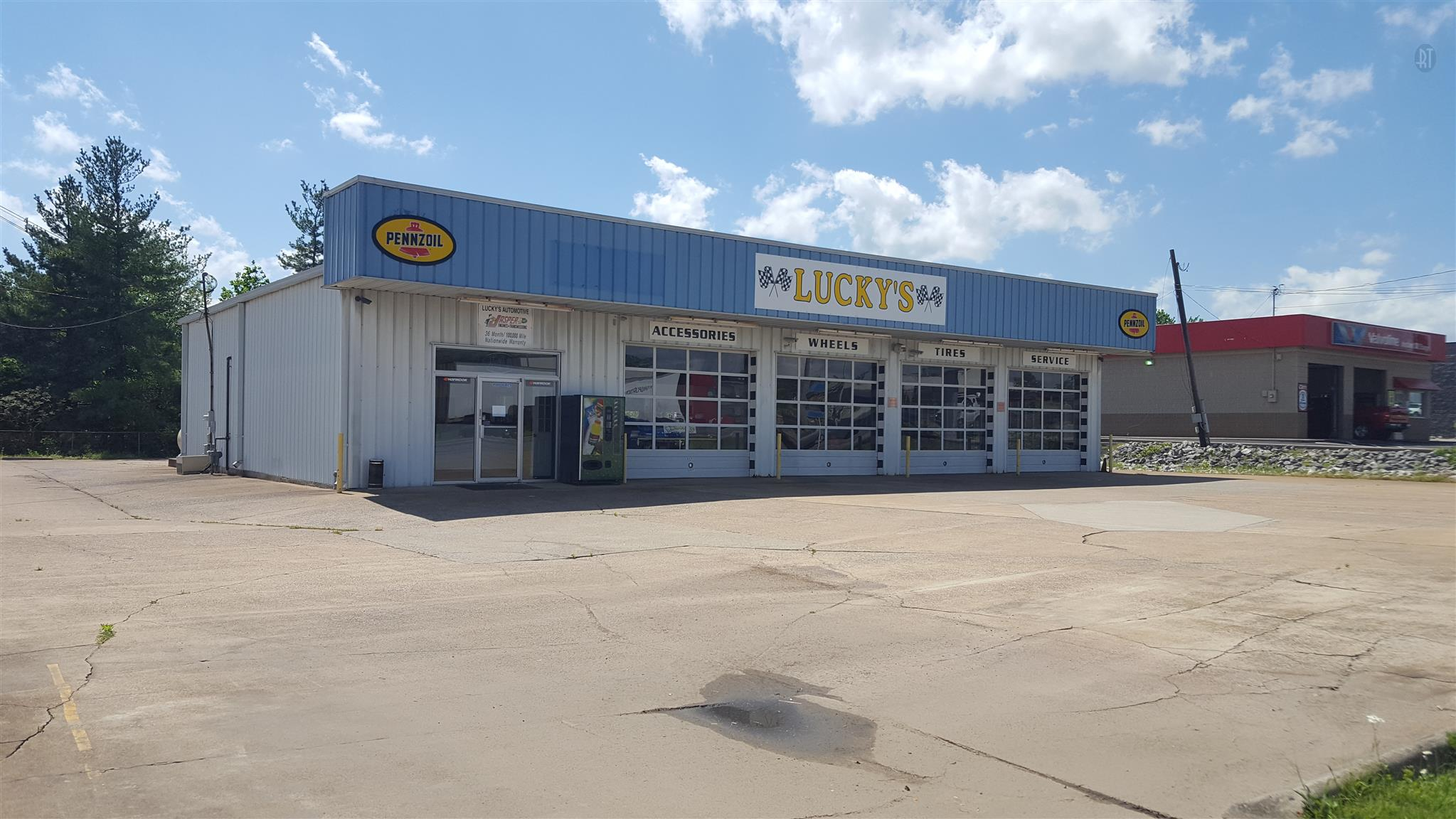 526 Highway 46 S, Dickson, TN 37055