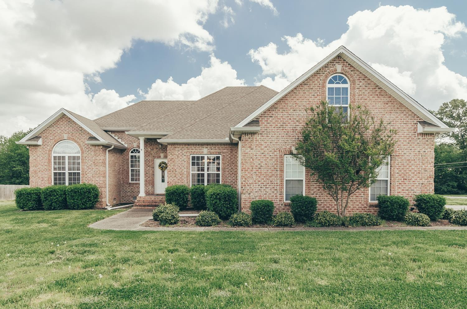 3001 Catoosa Ridge Ln, Greenbrier, TN 37073