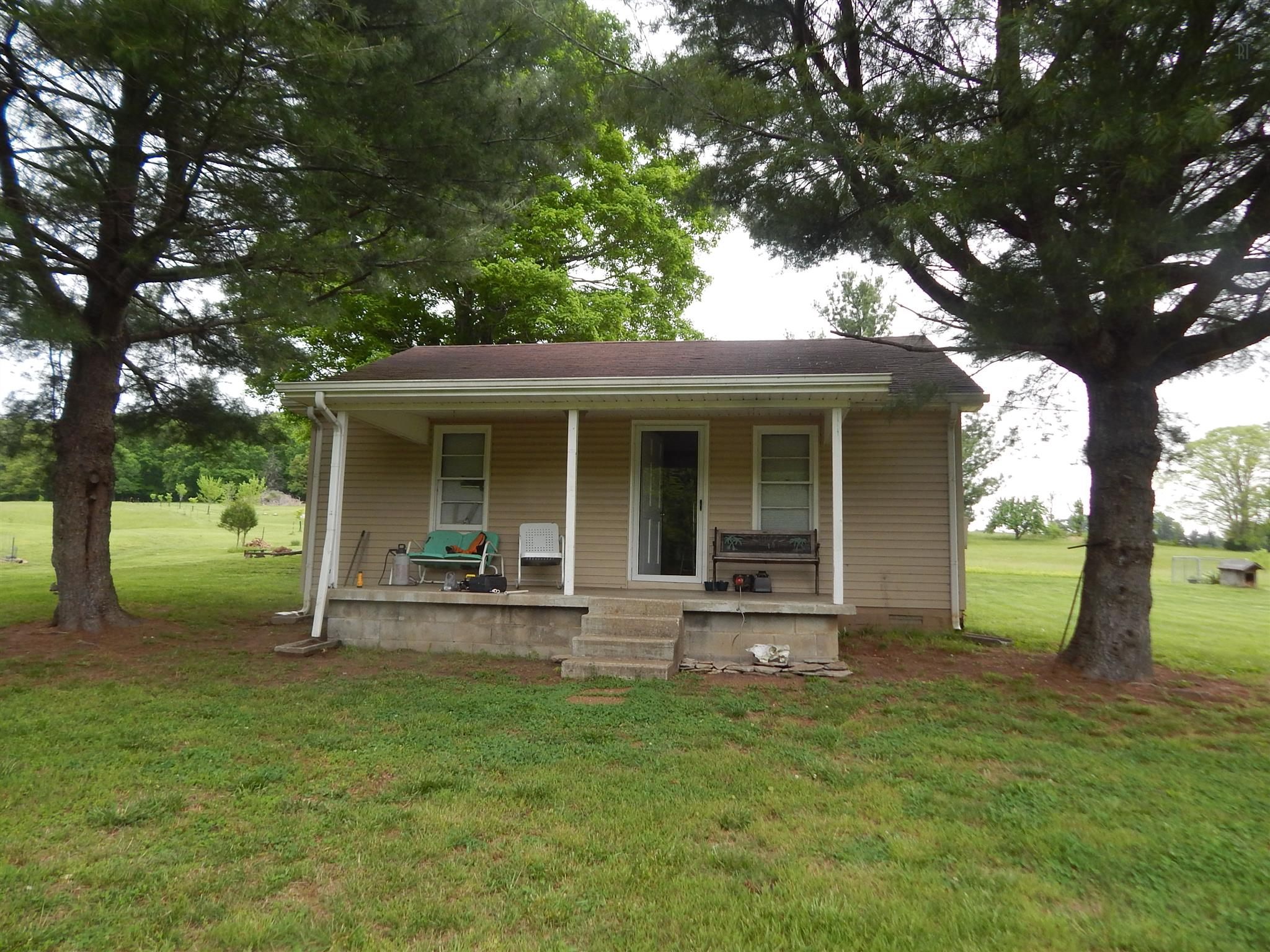 5736 Buckner Rd, Cumberland Furnace, TN 37051