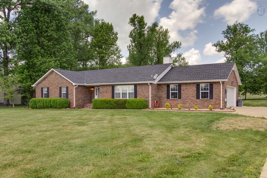 682 Baker Rd, Columbia, TN 38401