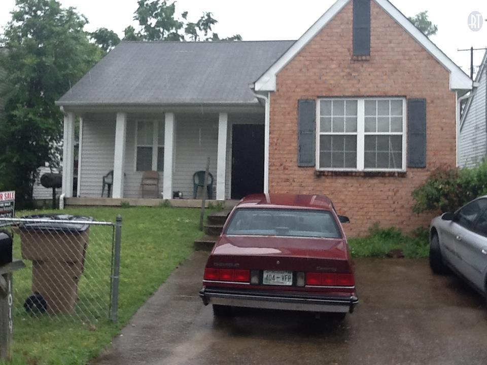 1014 Looby Cir, Nashville, TN 37208