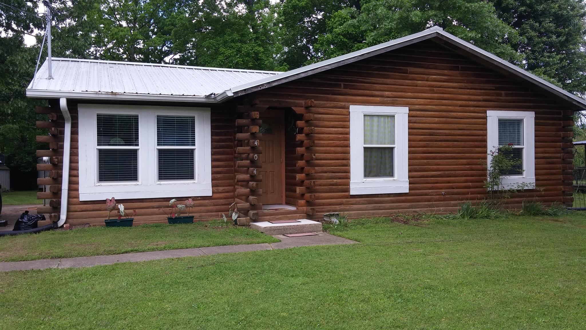404 Roselawn Dr, Clarksville, TN 37042