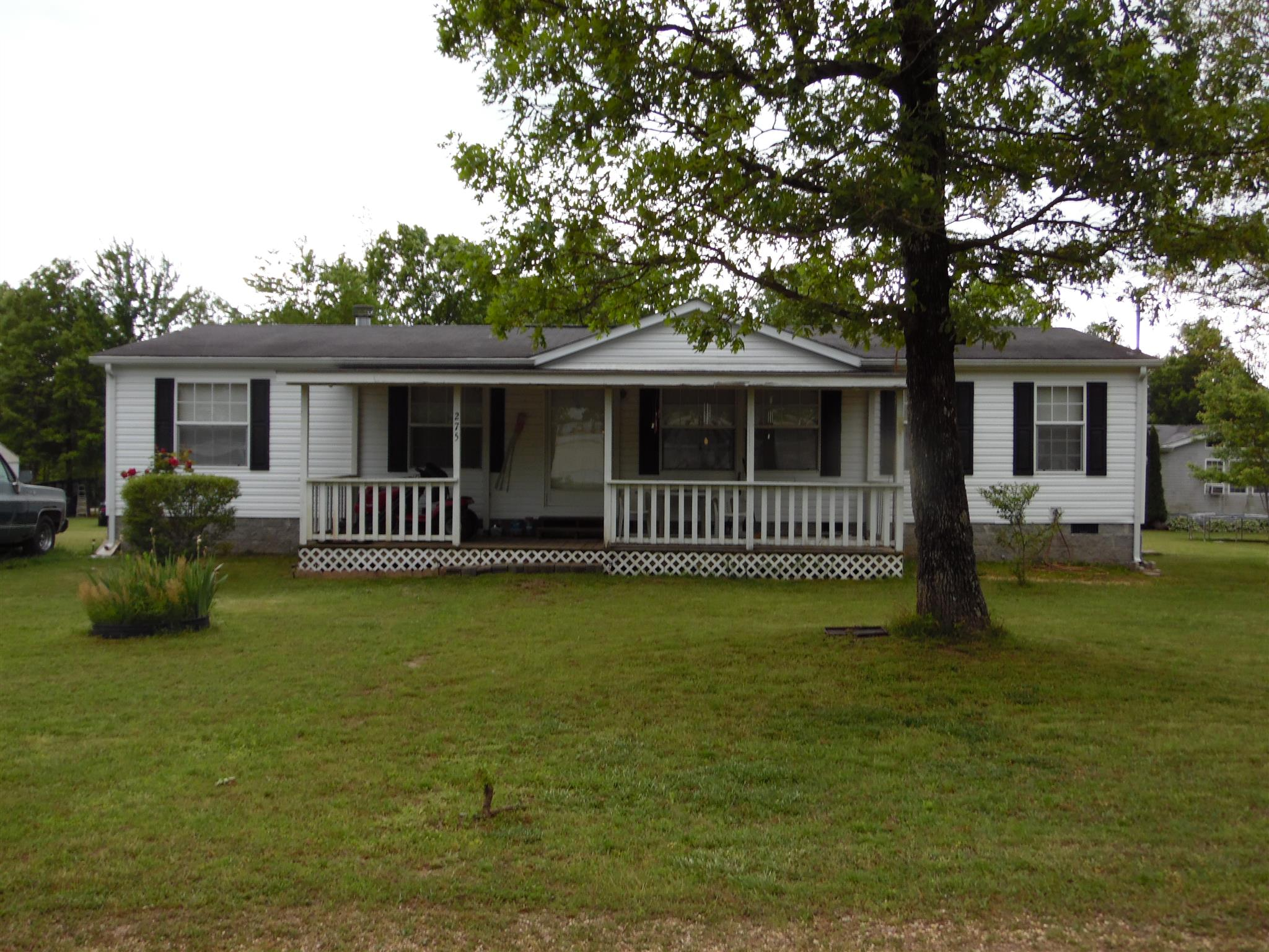 275 Henderson Rd, Hohenwald, TN 38462