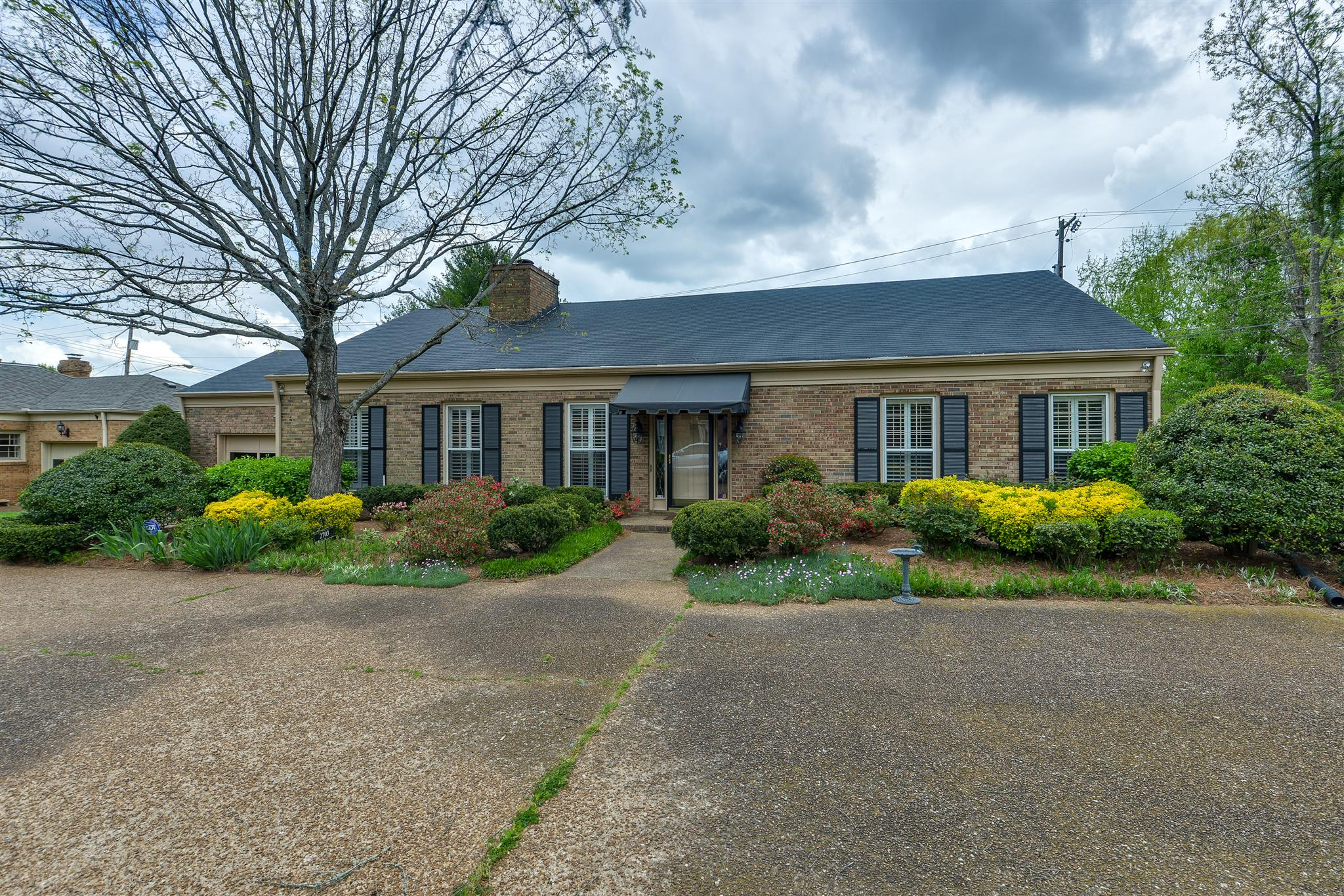 2703 Abbott Martin Rd, Forest Hills in Davidson County County, TN 37215 Home for Sale