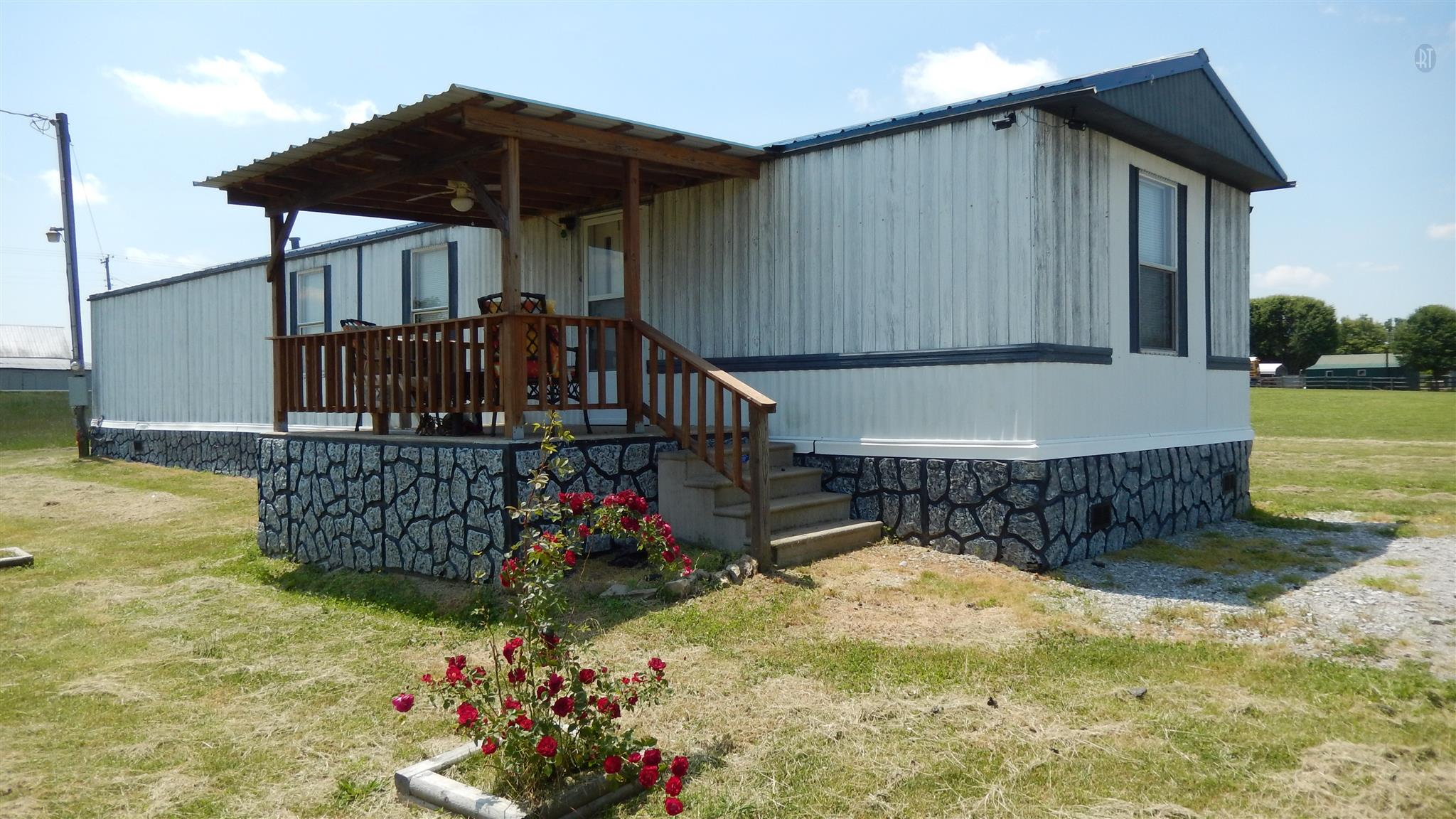 1246 Ethridge Red Hill Rd, Lawrenceburg, TN 38464