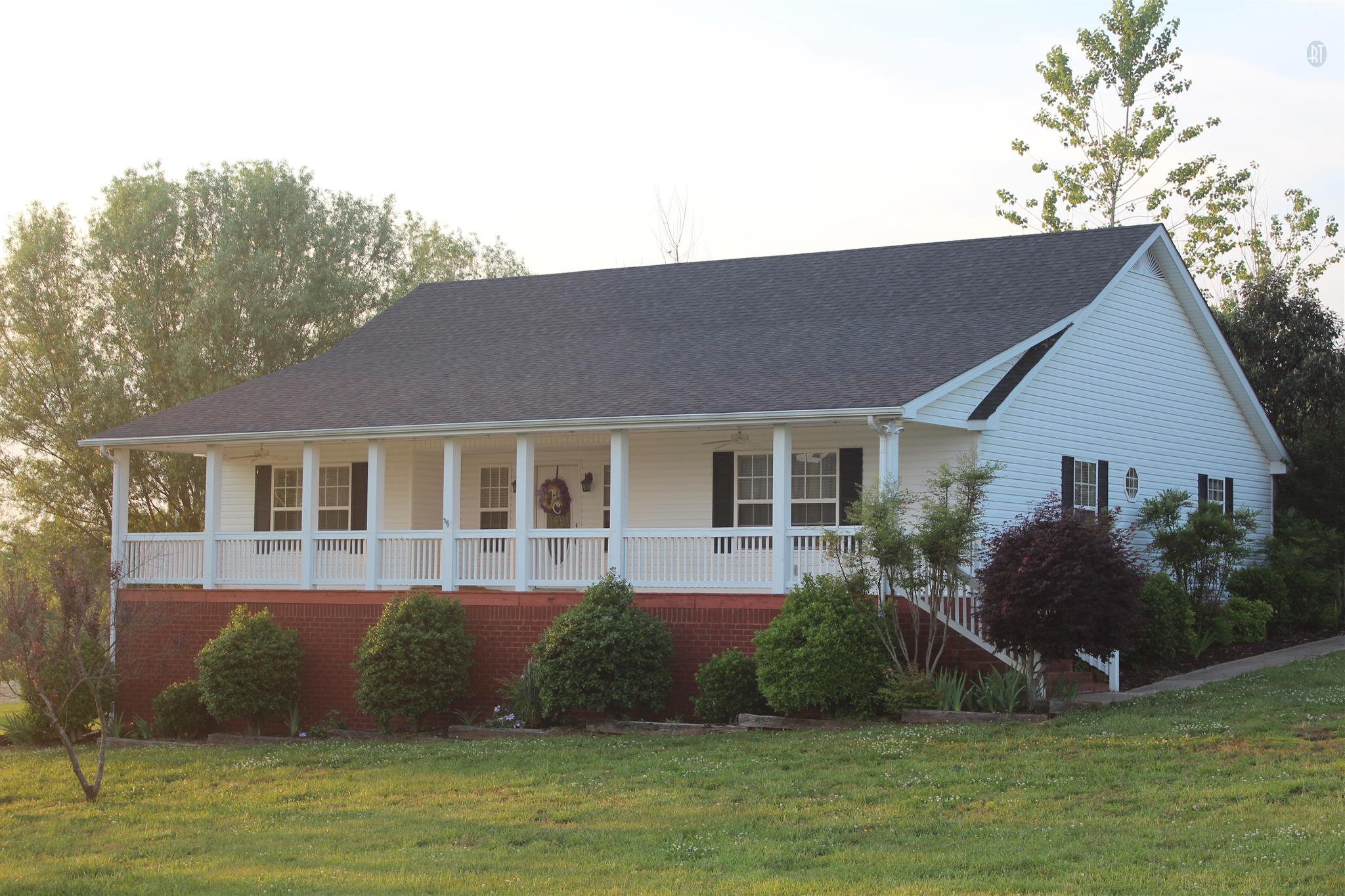 570 River Front Estates Ln, Hartsville, TN 37074