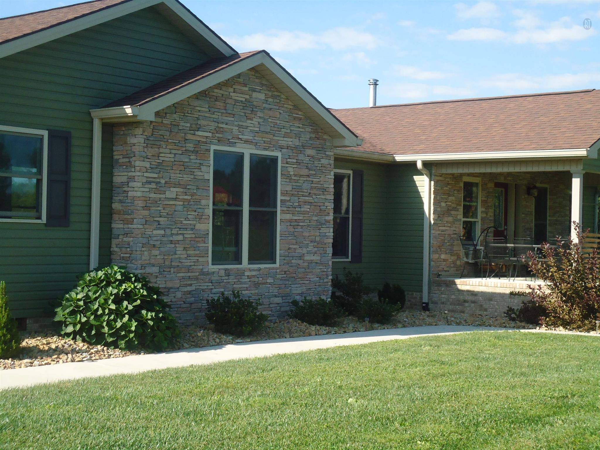 755 Ernest Hall Rd, Clarkrange, TN 38553