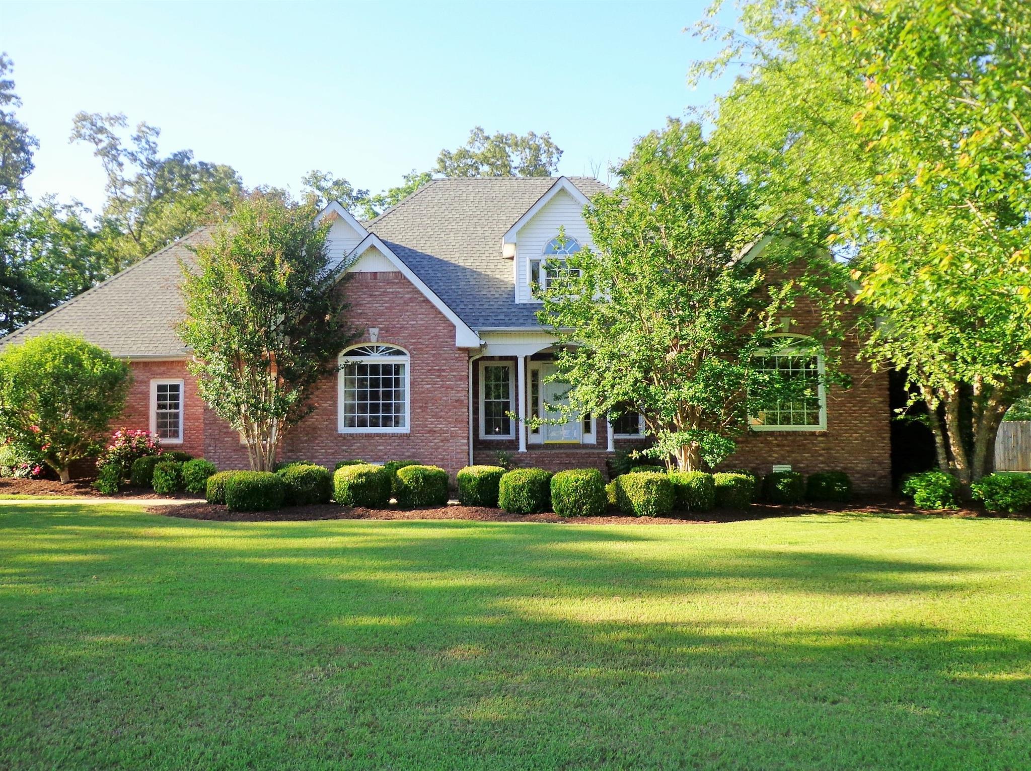 511 Callahan Dr, New Johnsonville, TN 37134