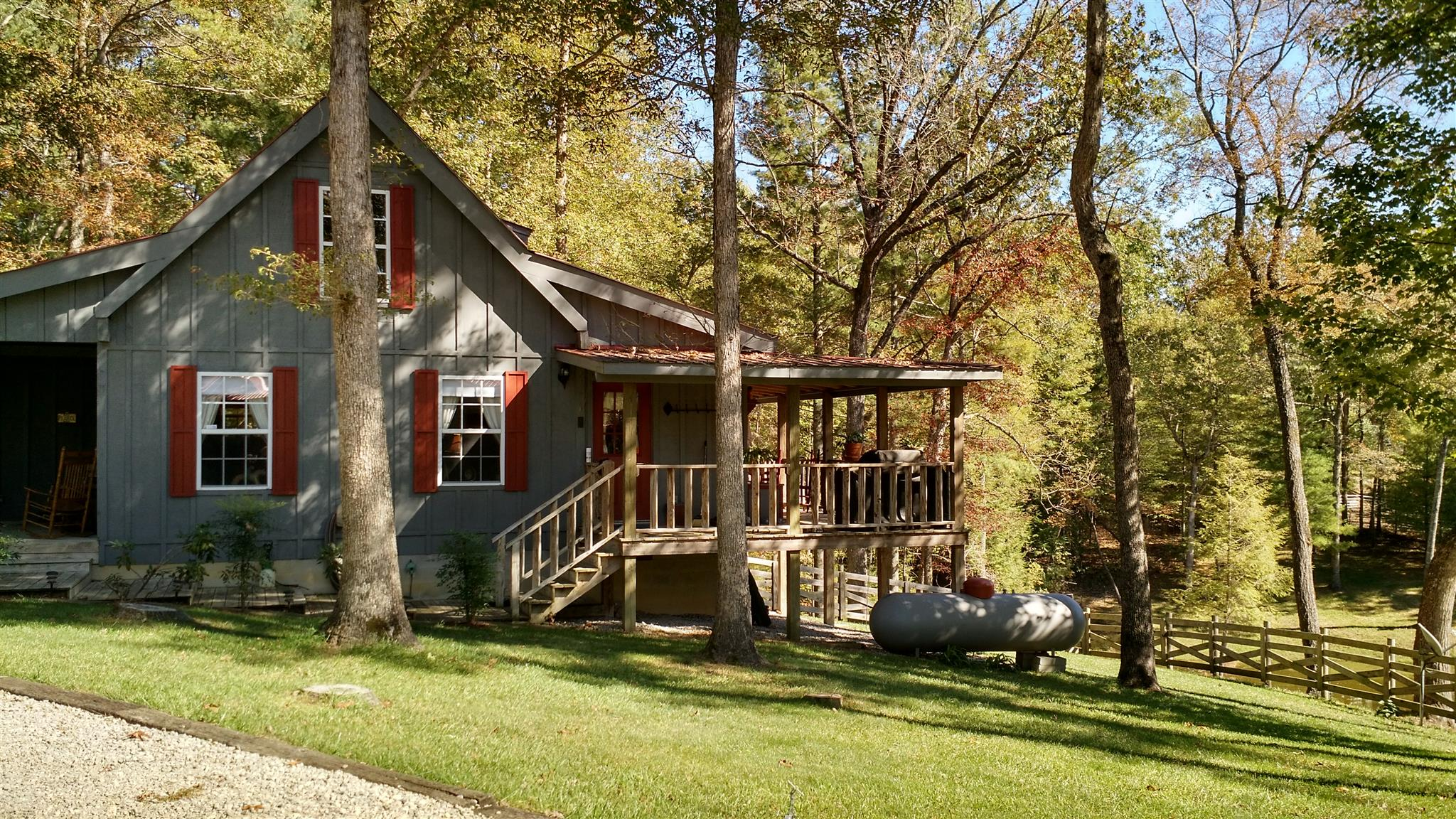 345 Spruce Creek Dr, Jamestown, TN 38556