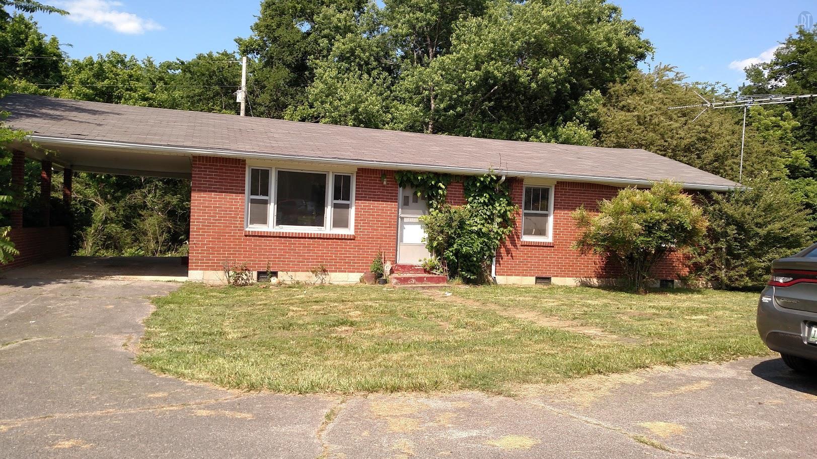 106 Dickson Rd, Centerville, TN 37033