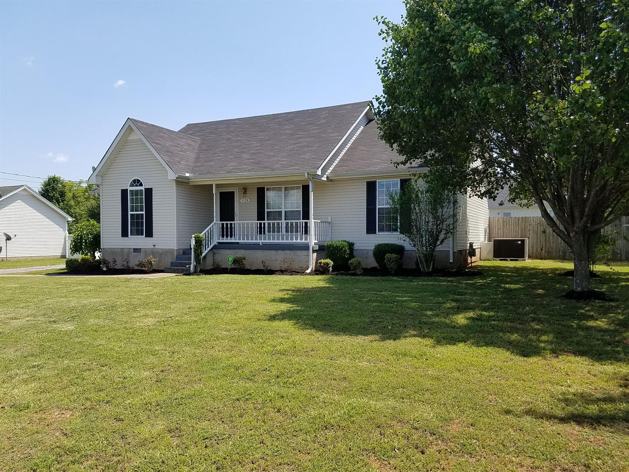 1126 Newberry Dr, Murfreesboro, TN 37130