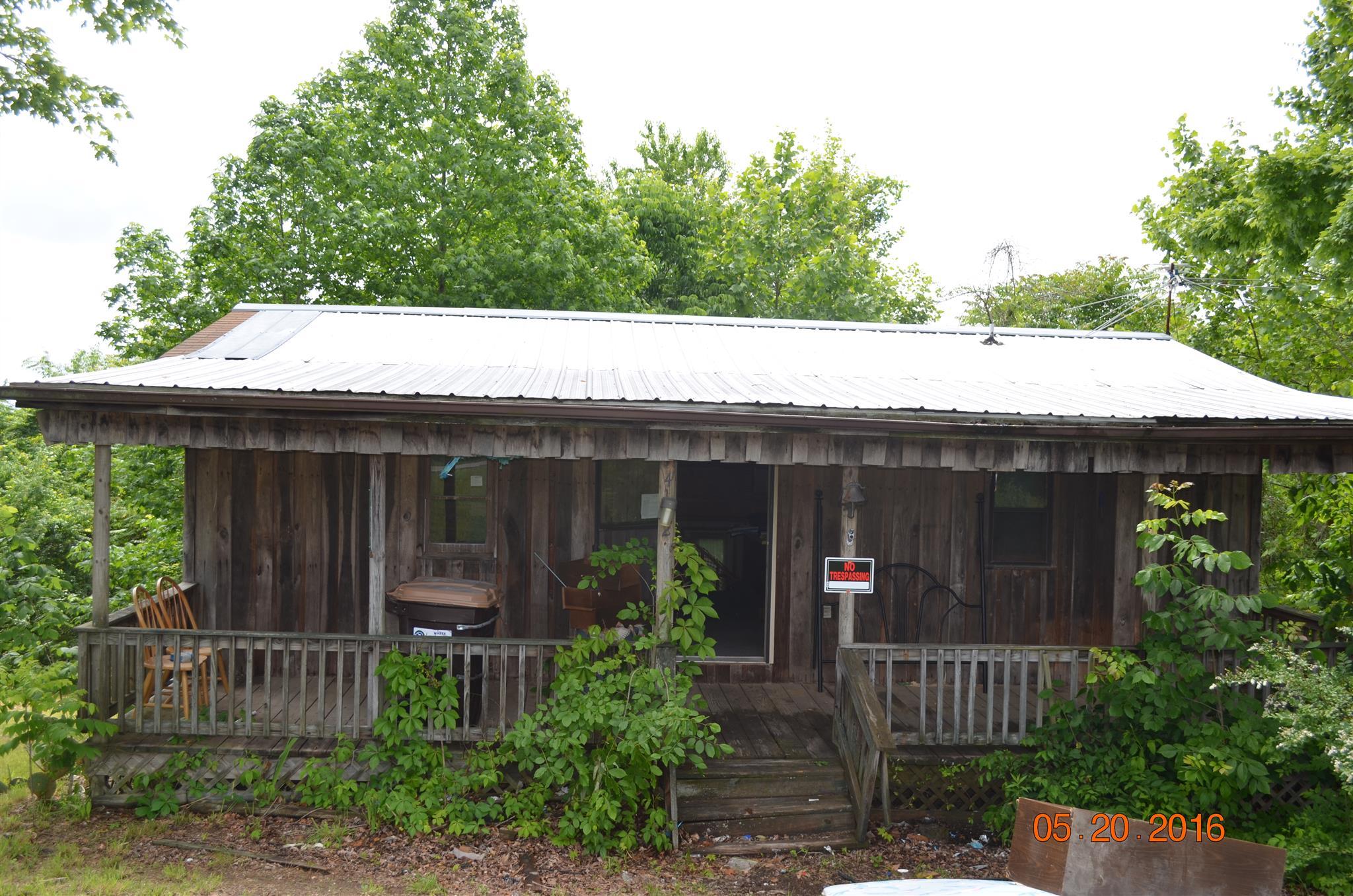 4562 York Landing Rd, Woodlawn, TN 37191