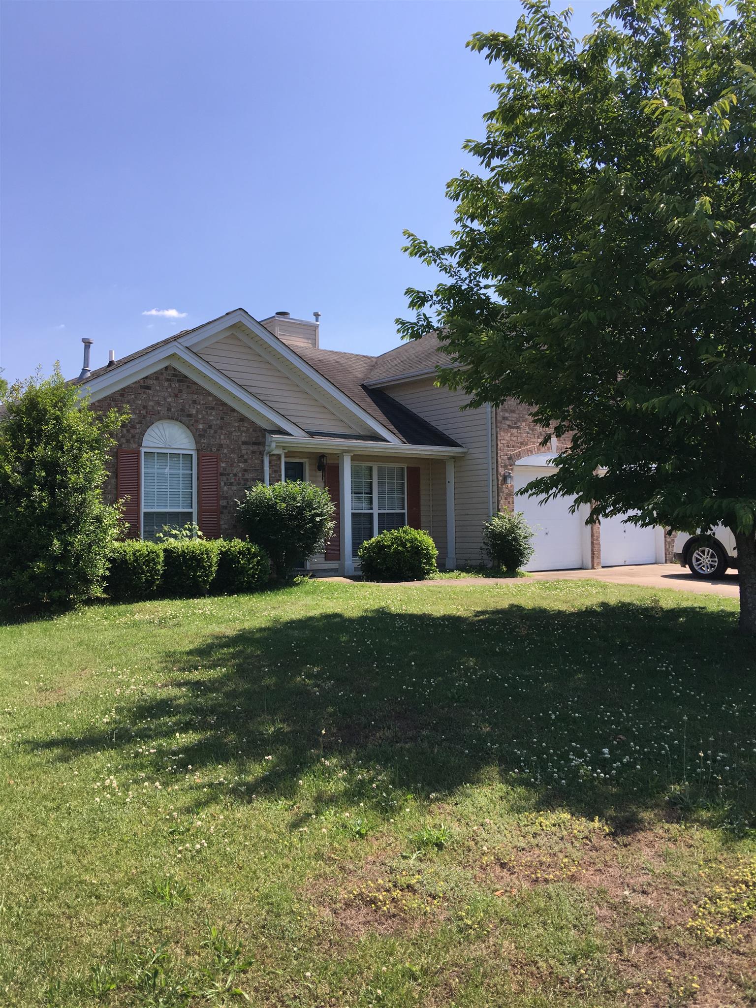 1015 Mallory Ln, Spring Hill, TN 37174