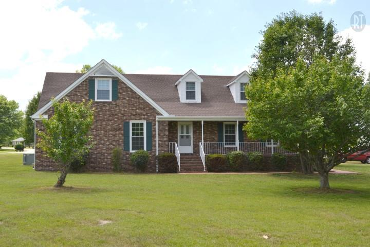 818 Brookhaven Cir, Shelbyville, TN 37160