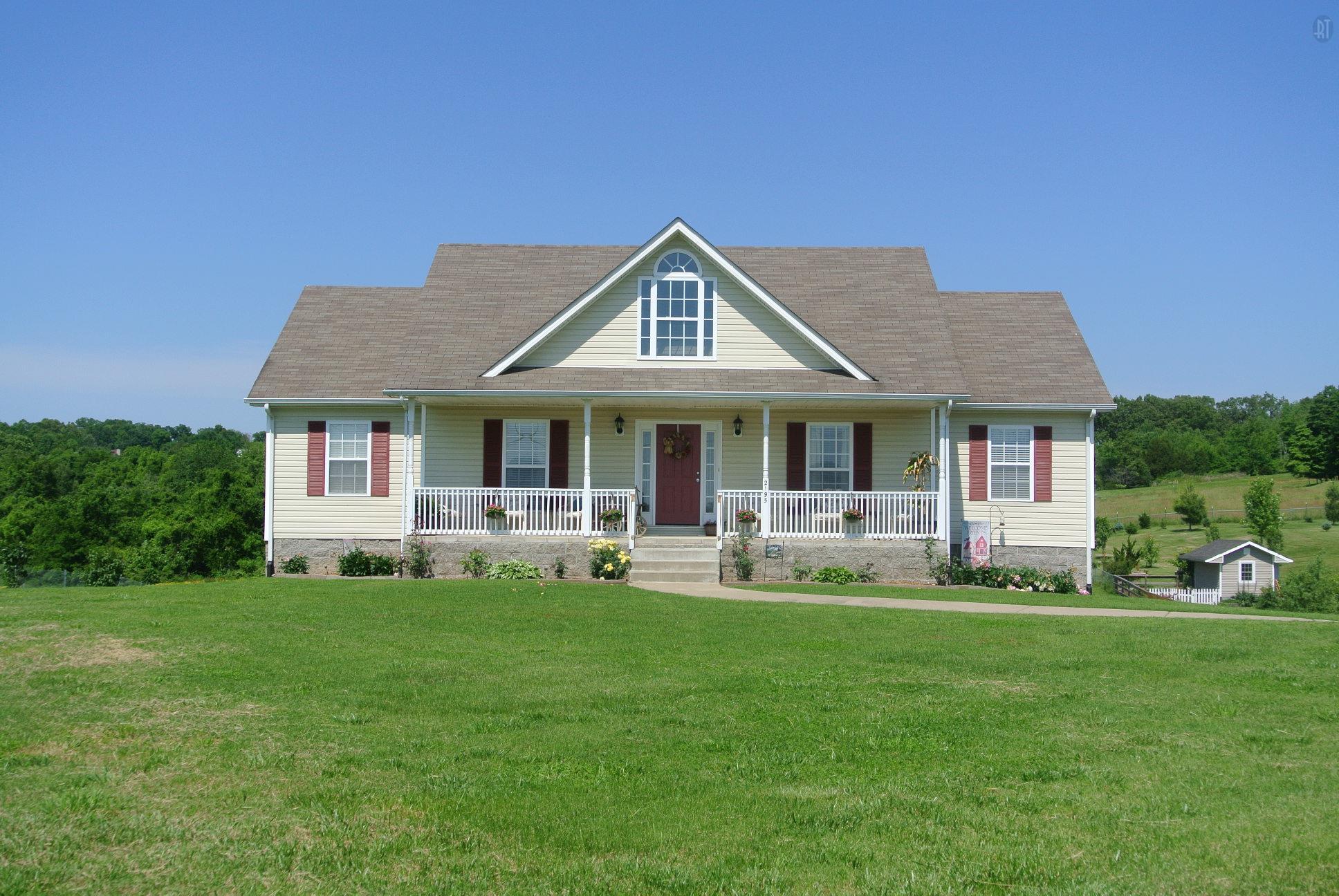 2195 Chester Harris Rd, Woodlawn, TN 37191