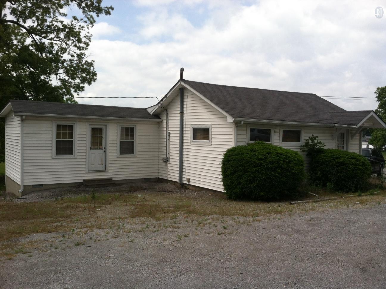 108 Bryan Ave, Dickson, TN 37055