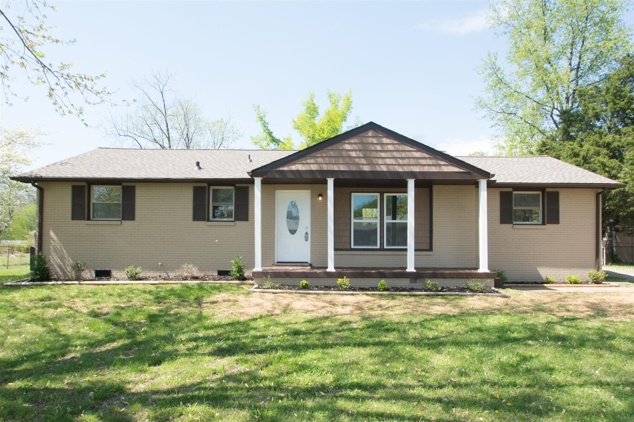 11 Avalon St, Clarksville, TN 37042