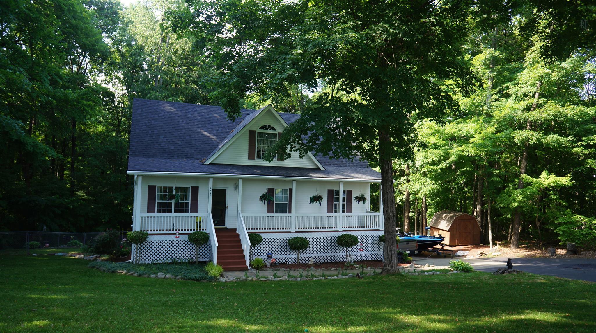 1581 Haynes Rd, Woodlawn, TN 37191