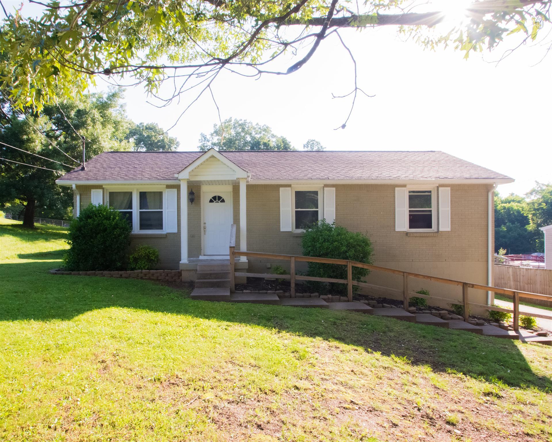 609 Ranch Hill Dr, Clarksville, TN 37042