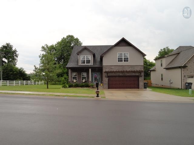 1500 Amberley Dr, Clarksville, TN 37043